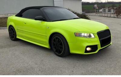 Merész színű Audi