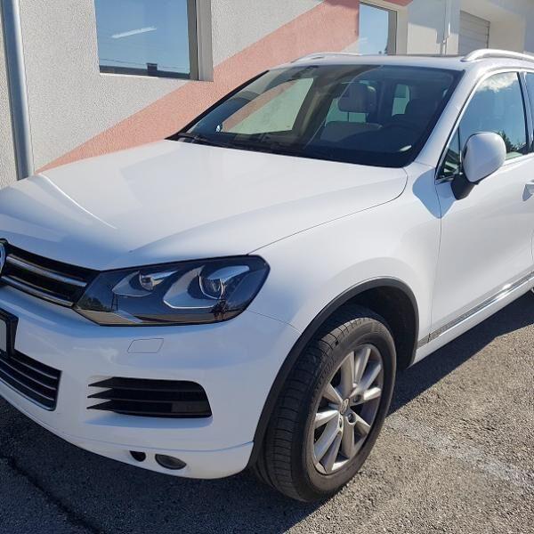 VW Touareg autófóliázása fehérre