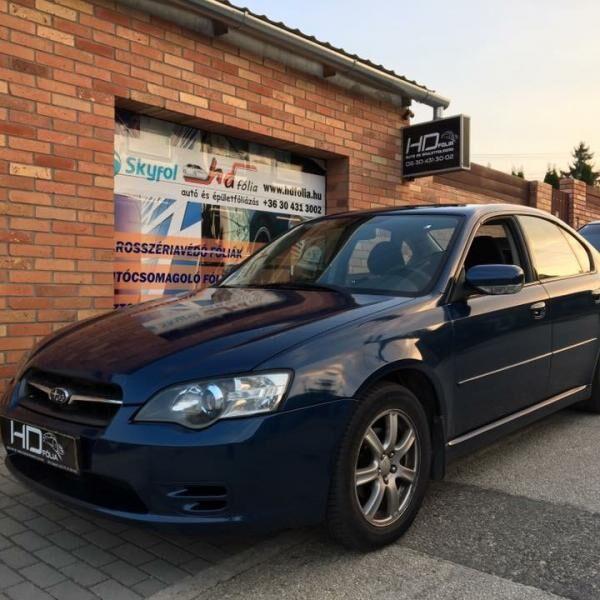 Subaru Legacy autófóliázása sötétkékre