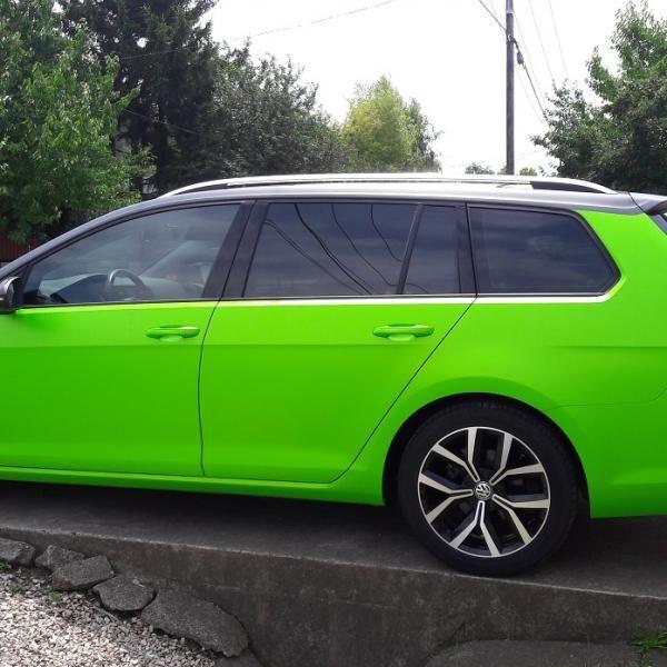 Autófóliázás wasabi zölddel